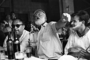 ernest-hemingway-drinking