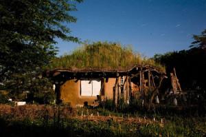 COB-House-Arquitetura-Sustentavel-3